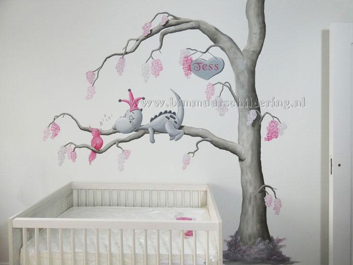 dirk draak babykamer wanddecoratie lief draakje op wolk