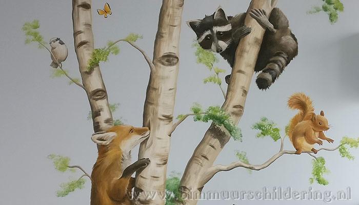 boom dieren kinderkamer wandschildering