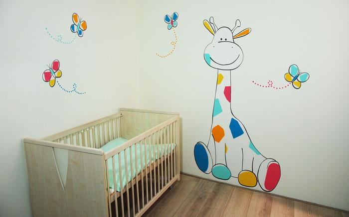 Gestileerde muurschildering giraffe bloemen in babykamer - Kleuridee voor een gang ...