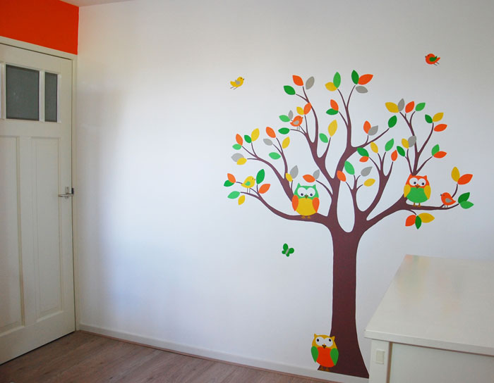 Neutrale boom voor in jongens en meisjes babykamer