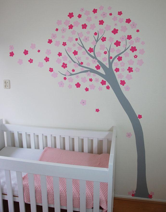 Bloemetjes boom moderne boom met gestileerde bloemen for Muurtekeningen woonkamer