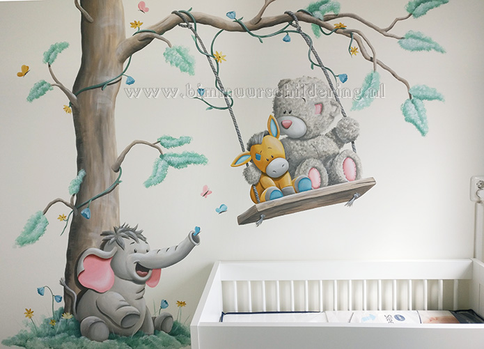 Muurstickers Babykamer Me To You.Me To You Beertje Babykamer Muurschildering Vele Schilderingen