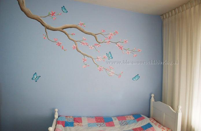 Deze schildering kan zowel in een babykamer als in de kinderkamer van ...